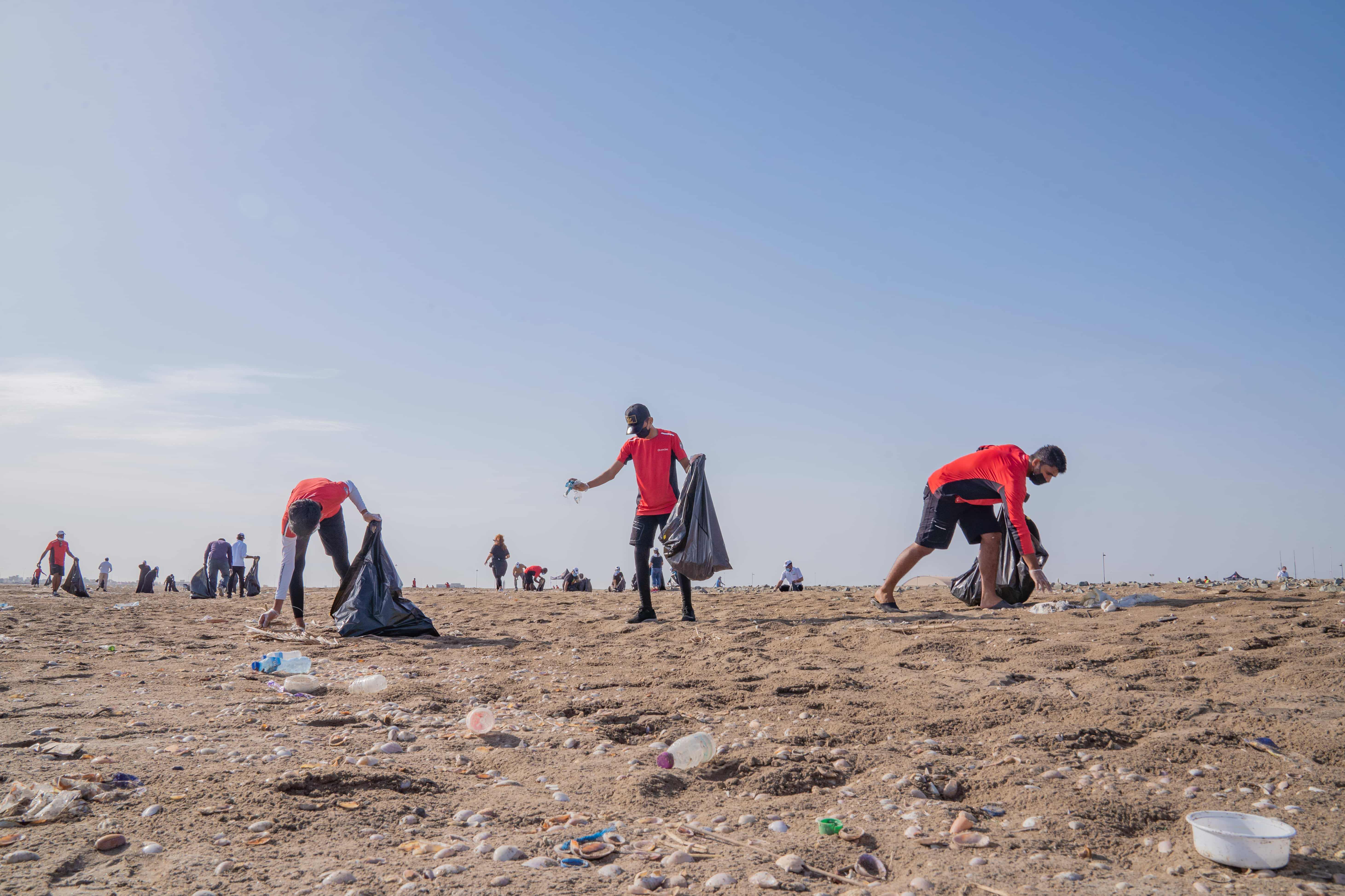 Oman Sail marks World Clean-Up Day with beach clean-up event in Mussanah